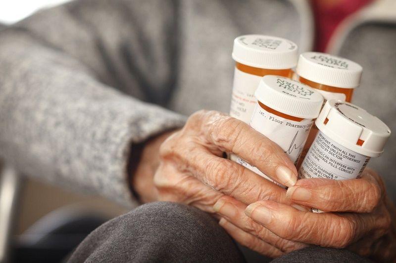 ¿Cómo lidiar con la adicción a los medicamentos recetados en los ancianos?